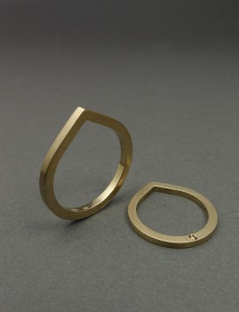 Engagement / Wedding ring