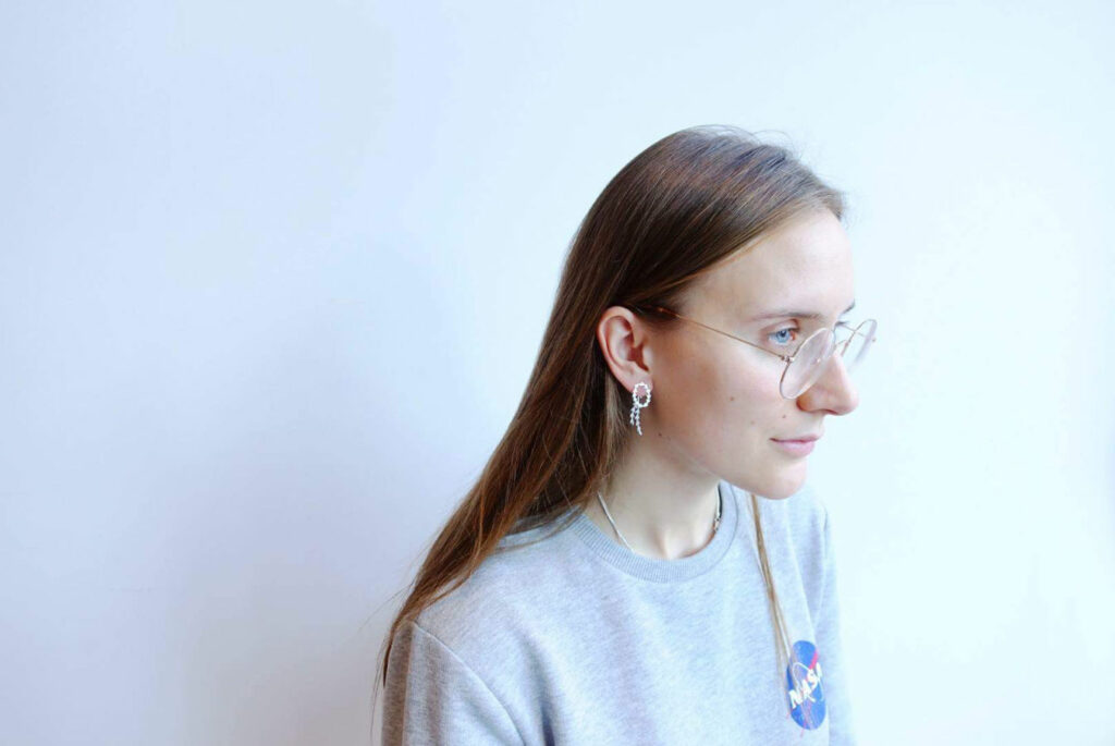 Handmade silver earring from Plants collection by Makiami