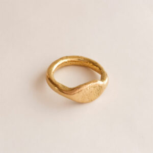 Handmade 18K gold wedding / engagement ring, organic shaped ring with finger print by Maki Okamoto