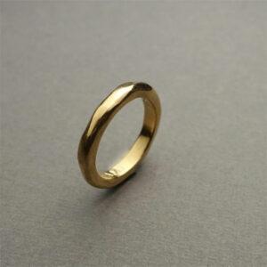 Handmade 18K gold wedding / engagement ring, organic shape ring by Maki Okamoto