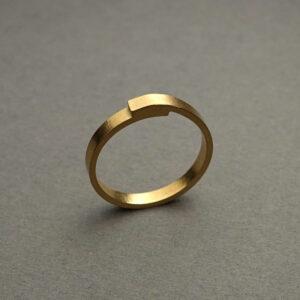 Handmade 18K gold wedding / engagement ring, Over rapped ring by Maki Okamoto