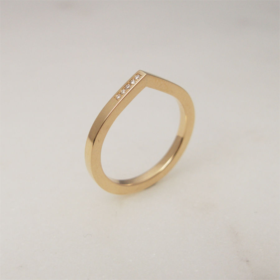 Handmade 18K gold wedding / engagement ring, Drop shaped ring with diamonds by Maki Okamoto