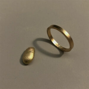 Handcrafted sustainable jewellery. A gold ring from recycled material by Makiami