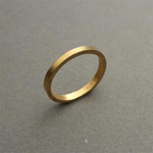 Handmade 18K gold wedding / engagement ring, paper matt ring by Maki Okamoto