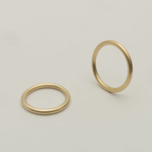 Handcrafted sustainable jewellery made by Maki Okamoto in her studio in Stockholm.