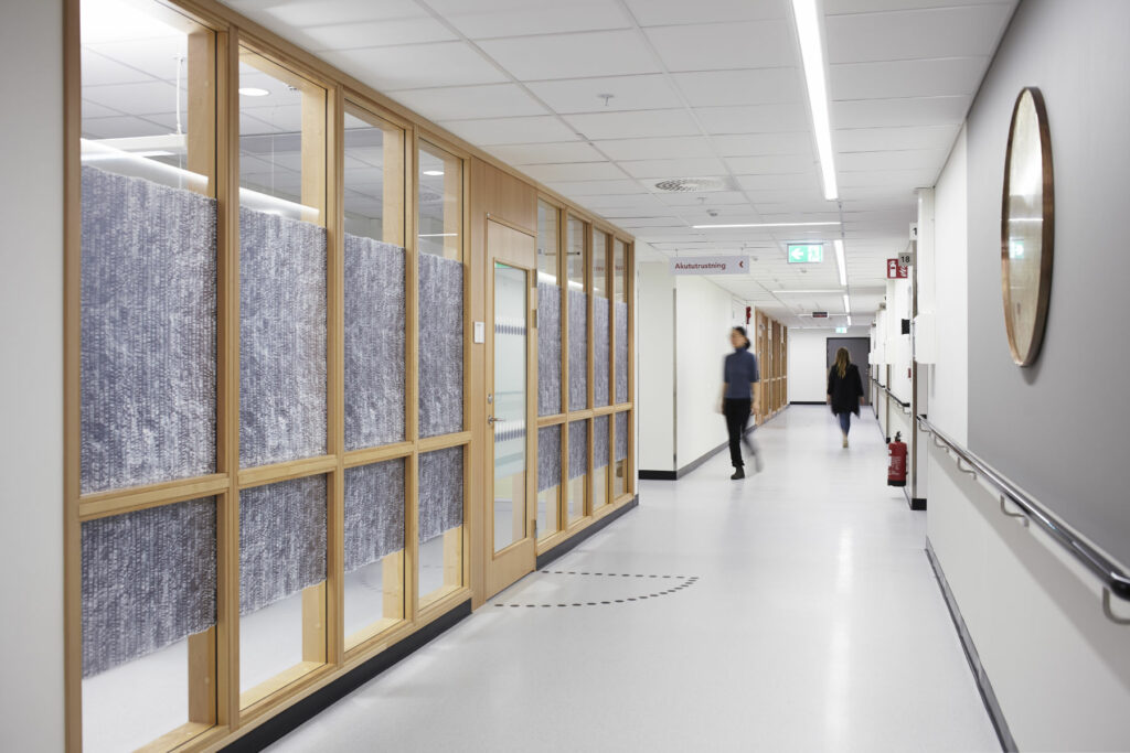 Vandring bland tankarna, public art project for Karolinska Huddinge hospital by Maki Okamoto